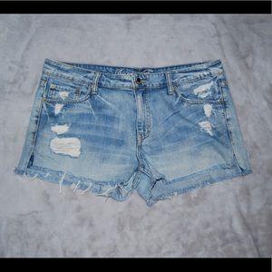 American Eagle light wash jean shorts